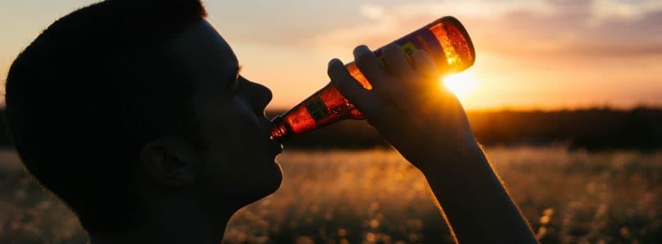 drinking-925288_1920